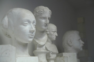 cast heads