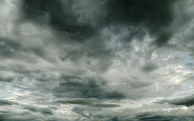 storm cloud before rain