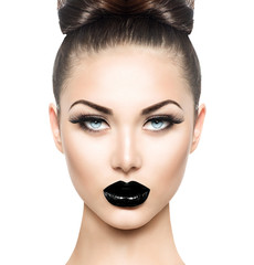Zelfklevend Fotobehang Fashion Lips High fashion beauty model girl with black make up and long lushes