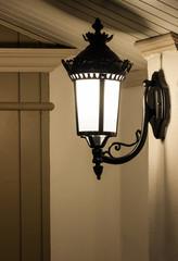 Single lantern