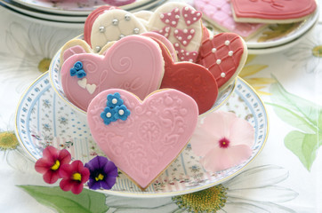 Wall Mural - Galletas de mantequilla con forma de corazon decoradas con fondat