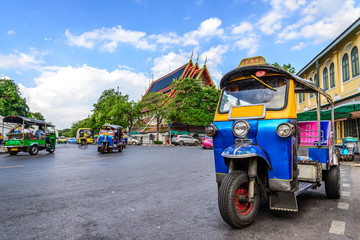 Photo sur Plexiglas Bangkok Blue Tuk Tuk, Thai traditional taxi in Bangkok Thailand.