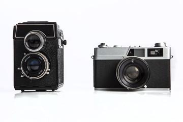 Confronto fra due vecchie macchine fotografiche analogiche