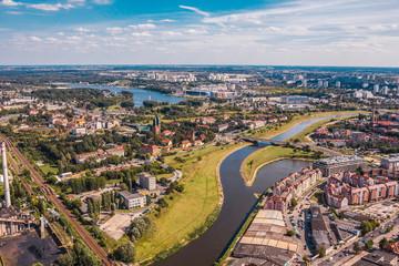 Miasto Poznań nad rzeką Wartą, widok z lotu ptaka Fototapete