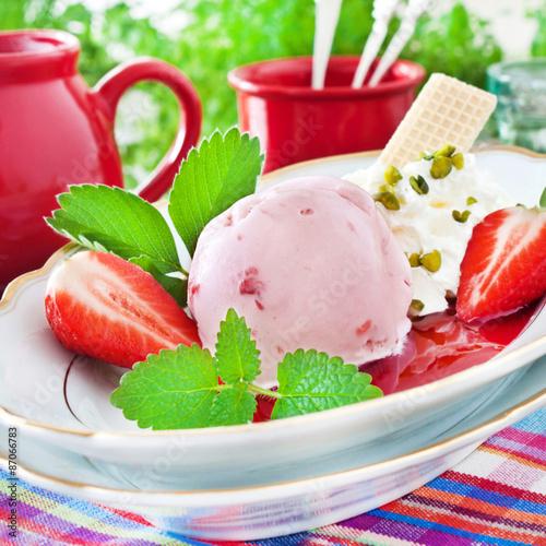 мороженое клубника сироп скачать