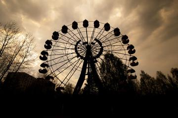 Foto op Aluminium Amusementspark Ferris wheel in amusement park in Pripyat