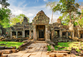 Fototapete - Entrance to Preah Khan temple in ancient Angkor, Cambodia