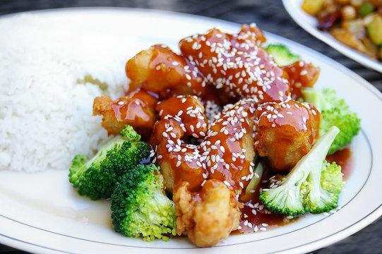 Sesame chicken with broccoli