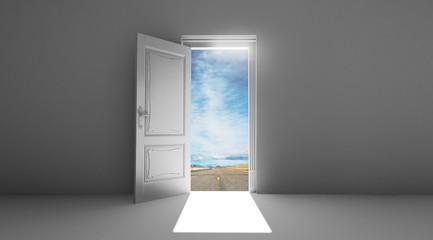 Porta aperta sfondo strada cielo