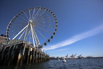 The Great Wheel of Seattle overlooking Elliot Bay