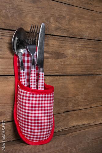 messer gabel und l ffel in rot wei kariert als holz. Black Bedroom Furniture Sets. Home Design Ideas