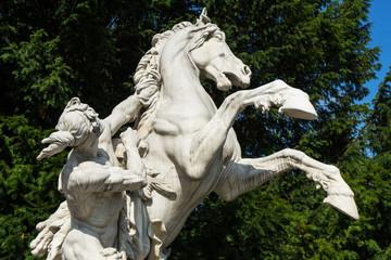 Skulptur mit Pferd