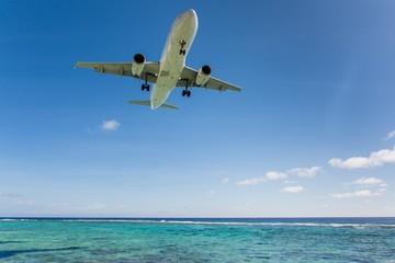 Watching landing airplanes in the jetblast area on Rarotonga