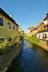 Мельничный канал в старом городе Чехии