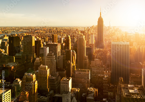 manhattan skyline bei sonnenuntergang in new york stockfotos und lizenzfreie bilder auf. Black Bedroom Furniture Sets. Home Design Ideas
