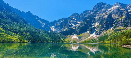 Fototapeta Panoramic view of green water Morskie Oko lake, Tatra Mountains, Poland obraz