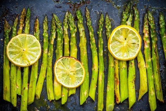 baked asparagus with lemon