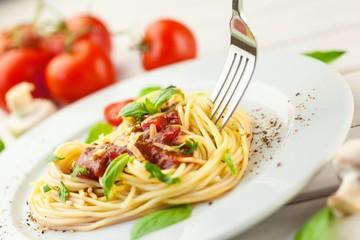 Pasta, tomato, food.