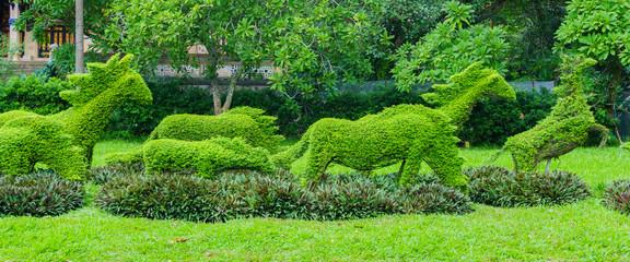 Green fence garden