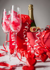 Love and Valentines: champagne gift. Gifts, champagne and romance for someone special on Valentine's Day.