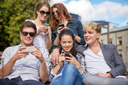 the smart phone is friend or foe to university students
