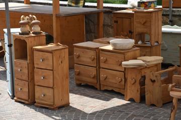 Cerca immagini oggetti in legno - Mercatino mobili antichi ...