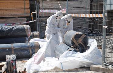 Buscar fotos trabajador de amianto for Fibrocemento sin amianto