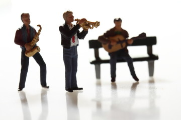 Miniature musicians.
