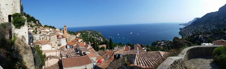 Vue Panoramique du vieux village de Roquebrune Cap Martin