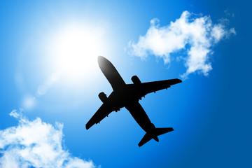 하늘을 나는 비행기 Fotobehang