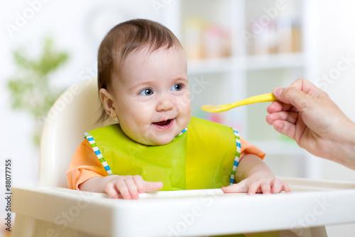 Почему ребёнок в 2 месяца плохо ест