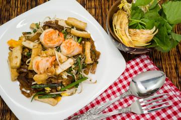 Delicious Thai stir-fried rice noodles