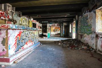 intérieur en ruine