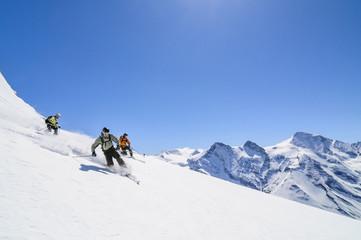 Drei Freerider im Pulverschnee am Kitzsteinhorn