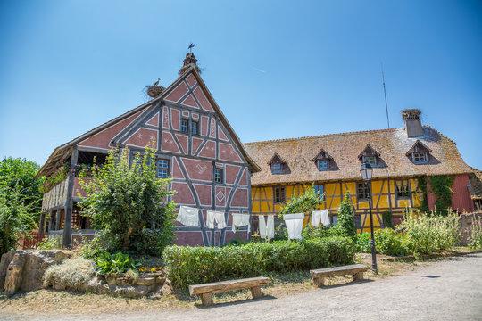 Maisons traditionnelles à l'écomusée d'Alsace