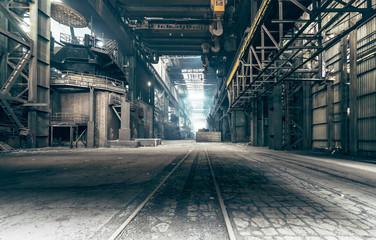 Photo sur Plexiglas Les vieux bâtiments abandonnés Abandoned factory: A factory that been shut down for many years.