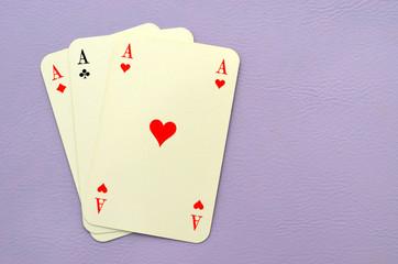 Drei Asse, Spielkarten