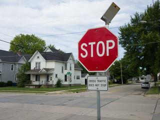 Flashing, solar-powered trafic Stop Sign