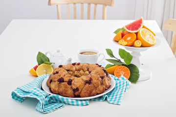 Orange and cranberry monkey bread