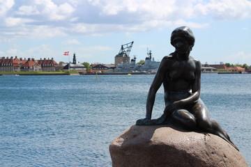 コペンハーゲンの人魚姫像