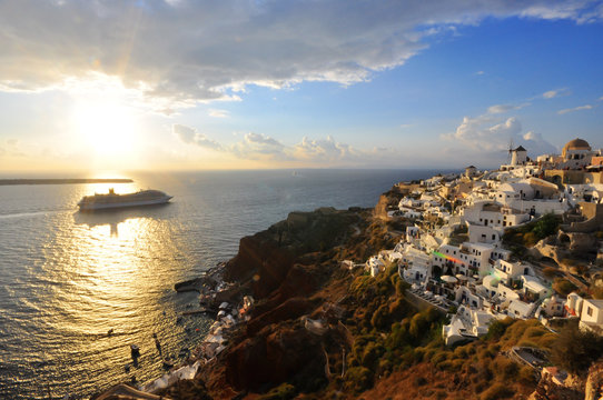 sunset at Santorini with cruise
