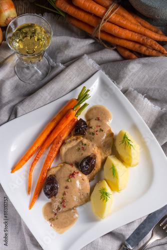 """pork tenderloin in plum sauce"""" Fotos de archivo e imágenes libres de ..."""