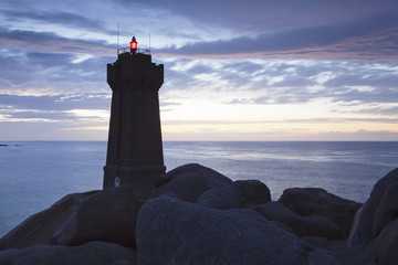 Lighthouse Meen Ruz, Ploumanach, Cote de Granit Rose, Cotes d'Armor, Brittany, France, Europe
