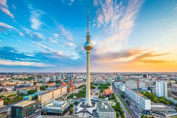 Spoed Fotobehang Berlijn Berlin skyline panorama with TV tower at sunset, Germany