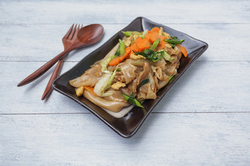 Fried noodle with vegetable, vegetarian style