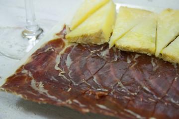 Jamón y queso ibérico