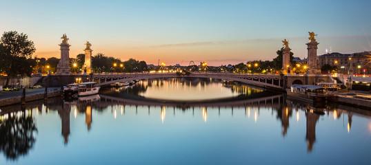 Pont Alexandre-III de nuit