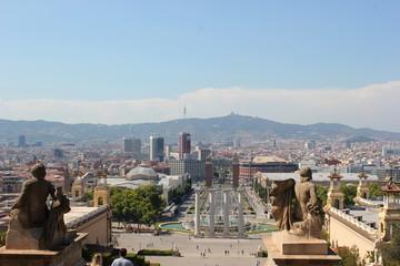 Blick vom Montjuic auf die Skyline von Barcelona