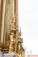 エメラルド寺院の黄金像 王室