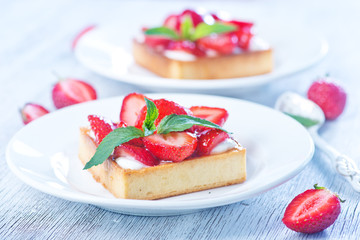 cake with fresh strawberry